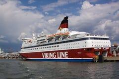 赫尔辛基, FINLAND-JUNE 26 :轮渡北欧海盗线被停泊在停泊在市赫尔辛基 免版税库存照片