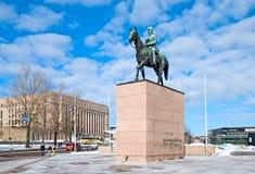 赫尔辛基 芬兰 法警Mannerheim雕象 免版税图库摄影