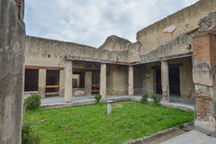 赫库兰尼姆,意大利- 6月01 :赫库兰尼姆古老罗马市废墟, 2016年6月01日的意大利 库存图片