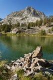 赫德峰顶和龙湖 库存照片