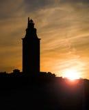 赫拉克勒斯塔(灯塔)剪影, La拉科鲁尼亚队,加利西亚, Spai 免版税库存图片