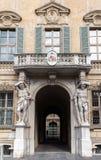 赫拉克勒斯雕象在Palazzo Vescovile的 免版税库存照片