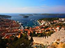 赫瓦尔岛港口俯视,克罗地亚 免版税库存照片