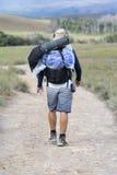 走与背包, Roraima,委内瑞拉的欧洲人游人 免版税库存照片
