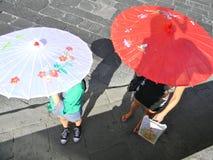 走在一个夏天早晨在佛罗伦萨 库存图片