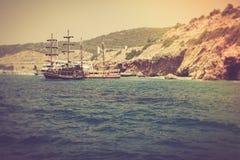 走在一条美丽的游艇在地中海 图库摄影