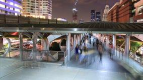 走在城市的人人群  股票视频
