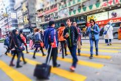 走在拥挤街道的人们 香港 库存图片
