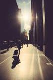 走在纽约街道上  库存照片