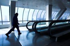 走廊人移动 免版税图库摄影