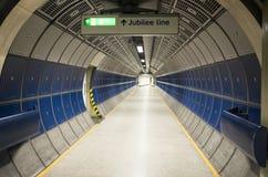 走廊好的建筑学和细节有标志周年纪念的在伦敦排行 库存图片
