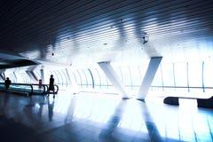 走廊移动人员 免版税库存图片