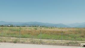 走沿机场的铁丝网篱芭 巴统, Geoargia 股票录像
