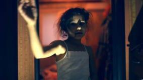 走的不死青少年的蛇神死的女孩拥有 股票录像