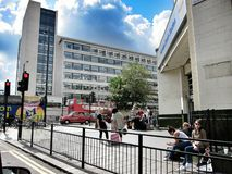 走的街道在伦敦,英国 免版税库存照片