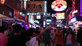 走的街道-红灯区在芭达亚,泰国 影视素材