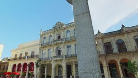 走的POV在哈瓦那古巴老镇中心  股票视频