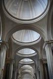 走道在巴勒莫大教堂里 库存图片