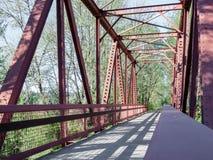 走道桥梁和被仿造的阴影1 图库摄影