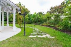 走道视图,植物园 免版税图库摄影
