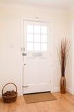 走廊和前门 免版税库存照片