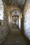 走廊在老堡垒在古城Kamyanets-Podilsky 免版税库存图片