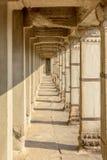 走廊在吴哥窟,暹粒,柬埔寨 库存图片