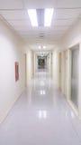 走廊在医院 免版税库存照片
