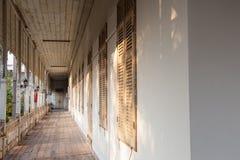 走廊老大厦 免版税库存照片