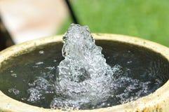 起泡的喷泉 免版税库存照片