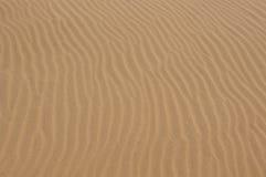 起波纹沙子纹理 库存图片