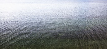 起波纹的水 库存照片
