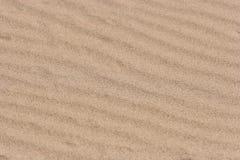 起波纹的沙子纹理 免版税库存图片