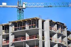 起重机和建造场所 免版税图库摄影