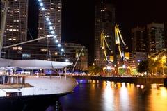 起重机在马德罗港 库存图片