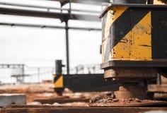 起重机支持产业机器 免版税图库摄影