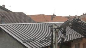 起重机运转的屋顶 股票视频