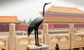 起重机雕塑在紫禁城 库存图片