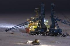 起重机dudinka破冰船端口 库存图片