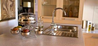 起重机fondu厨房水槽器物 库存图片