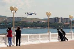 起飞两栖飞机是200 免版税图库摄影