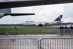起飞铁娘子乐团的波音747爱德力量一 库存照片