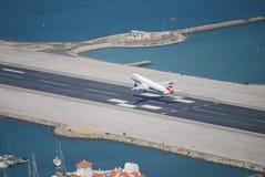 起飞直布罗陀机场 库存图片