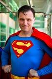 超人Cosplay,男性画象,圣地亚哥可笑的骗局2014年 库存照片