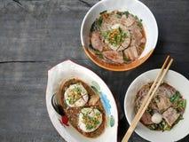 超大猪肉球、猪肝、猪肉幻灯片和vegeta泰国头  图库摄影