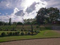 超现实的庭院汉普顿法院 免版税库存图片