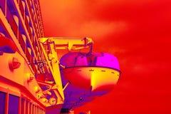 超现实的救生艇 免版税库存图片