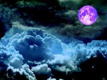 超级充分的长久和浅兰的云彩 库存图片