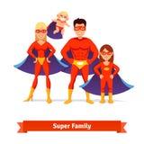 超级家庭 父亲,母亲,女儿,婴孩 图库摄影