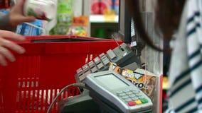 超级市场买家收款机物品 影视素材